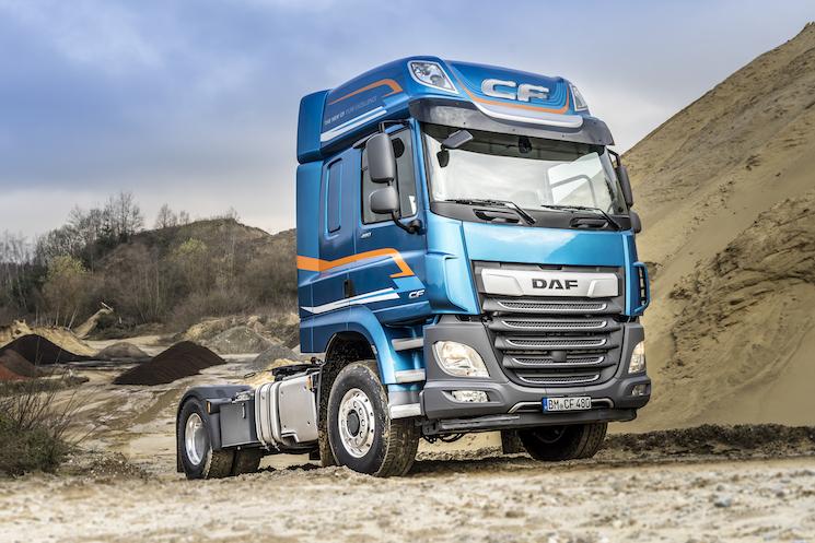 DAF lanza la tracción delantera conmutable para el CF y XF 4x2.