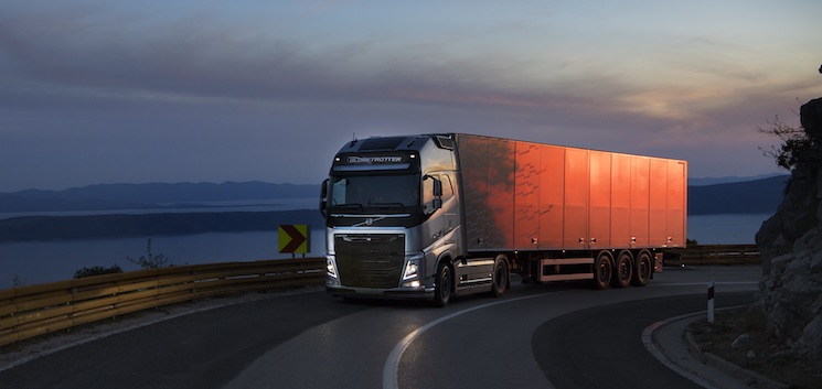 Hasta finales de julio, Volvo Trucks tiene en marcha un programa de financiación flexible para vehículos nuevos o usados.