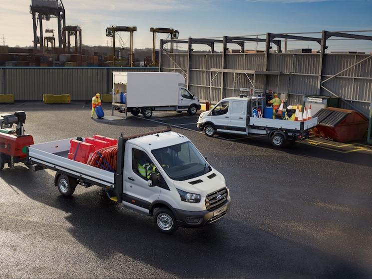 Ford inicia la producción de la Transit con caja automática de diez velocidades para las versiones de tracción trasera.
