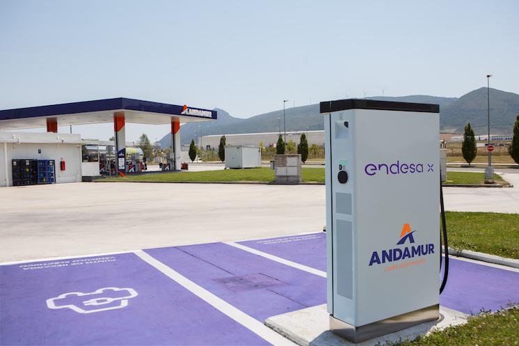Andamur dispone de cargadores eléctricos en dos estaciones de servicio