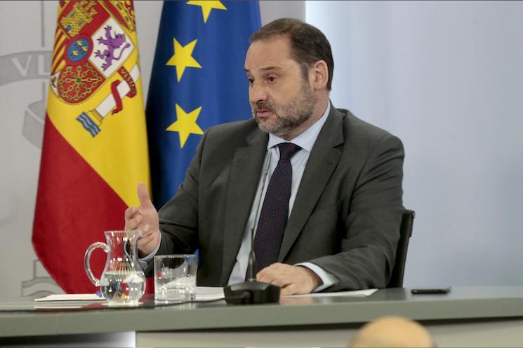 Hoy José Luis Ábalos ha anunciado tres medidas importantes para el sector: la ampliación de los visados a 2021, la prórroga de tres meses de las ITV caducadas entre el 21 de junio y el 31 de agosto y una moratoria en los pagos de las cuotas de camiones.