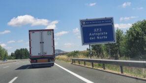 La DGT levanta parcialmente las restricciones a camiones en la N1 y en la Ap1.