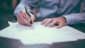 Entre las medidas de apoyo al sector de transporte por parte del Gobierno está la aplicación del visado a 2021, la prórroga de las ITV, moratorias en el pago de cuotas de camiones, Juntas Arbitrales y exámenes de competencia profesional.