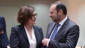 Ábalos no pide en Europa ayudas para que el transporte por carretera supere la crisis