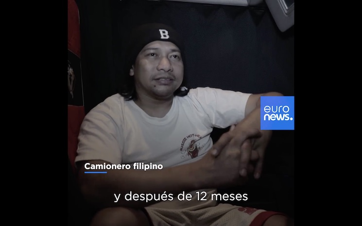 """Fotograma del reportaje de Euronews sobre conductores filipinos contratados por una empresa """"letona"""" perteneciente a un ciudadano sueco."""