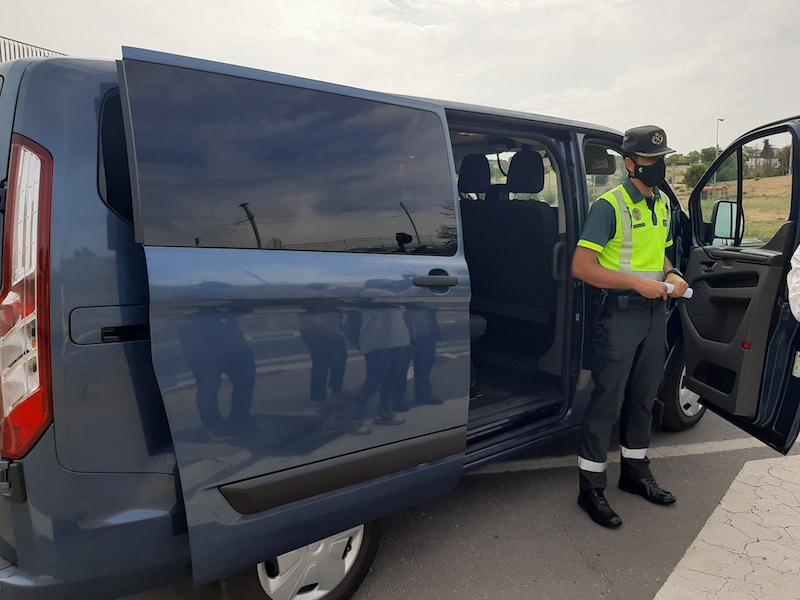 La DGT incorpora 15 furgonetas sin rotular que circularán por las carreteras como un modo más de vigilar las distracciones al volante.