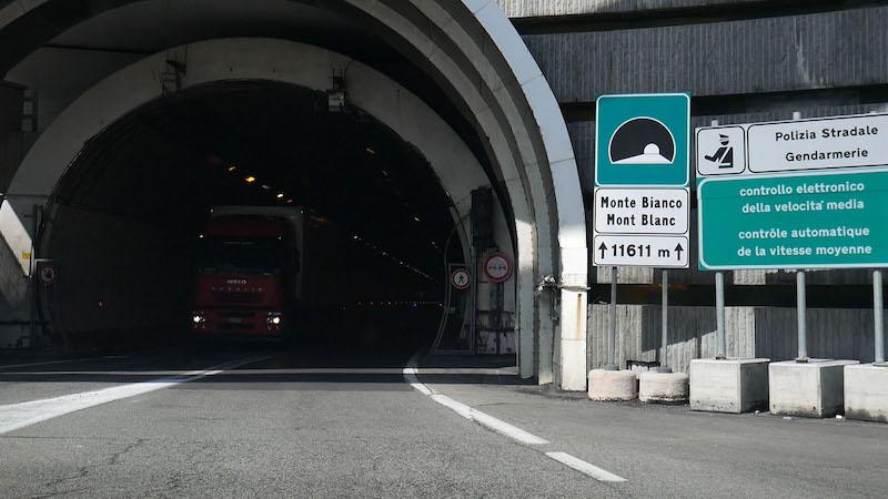 Cierres nocturnos del Túnel del Mont Blanc en septiembre durante tres lunes consecutivos.