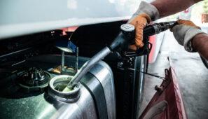 Los Presupuestos contemplan una subida e 3,8 céntimos/litro de diesel