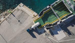 Los conductores de camión que entren en barco a territorio español no necesitan PCR
