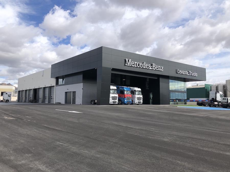 Mercedes-Benz inaugura un nuevo concesionario en Alicante