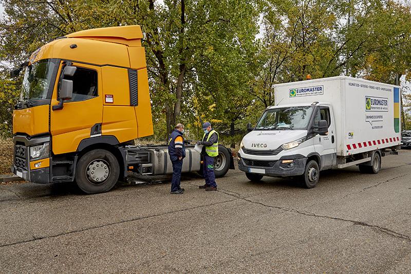 Enromaster OK24horas amplía su asistencia en carretera a operaciones de mecánica
