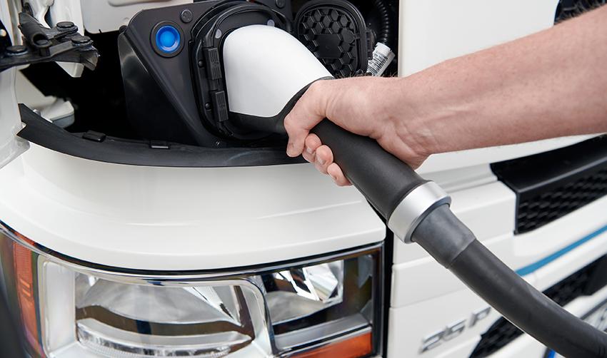 Scania ve más futuro en las baterías que en la pila de hidrógeno