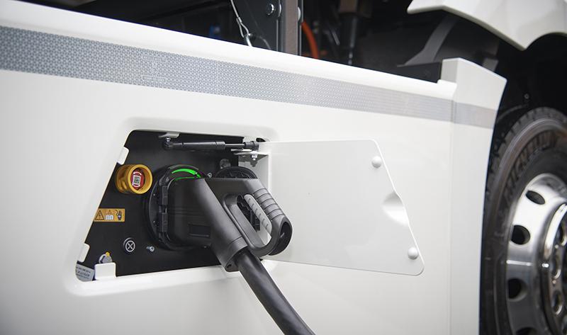 etiquetado-electrico-bateria-enchufable