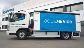 Un Fuso eCanter para la distribución de Aquaservice en Valencia